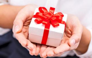 loves top 10 best gift